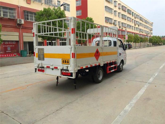微型2.7米东风途逸气瓶运输车