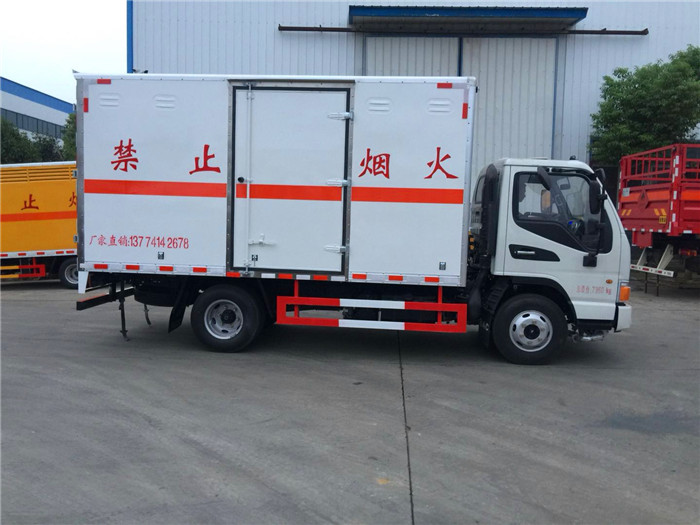 江淮4.2米易燃气体厢式运输车