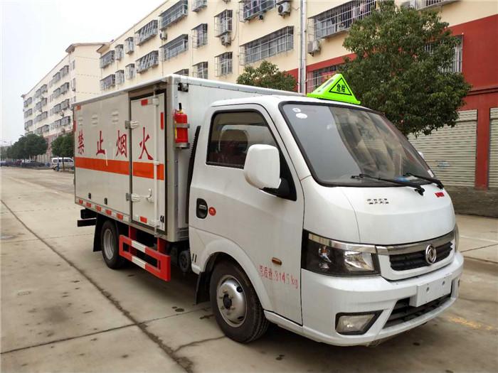 东风途逸易燃气体厢式车