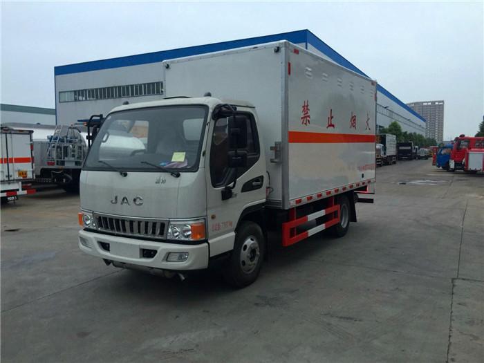 江淮5.1米易燃液体厢式运输车