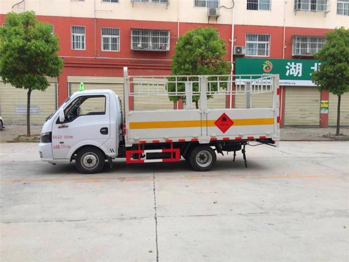东风途逸气瓶运输车
