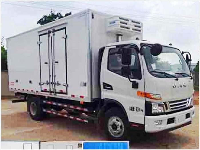 江淮骏铃单排5.2米冷藏车3