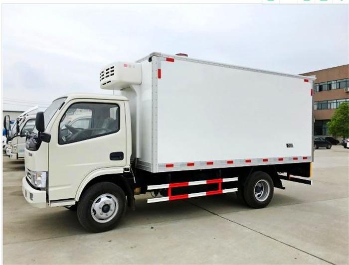 东风多利卡4.1米冷藏车2