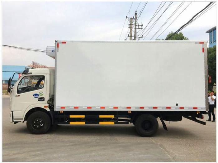 东风多利卡4.2米冷藏车3