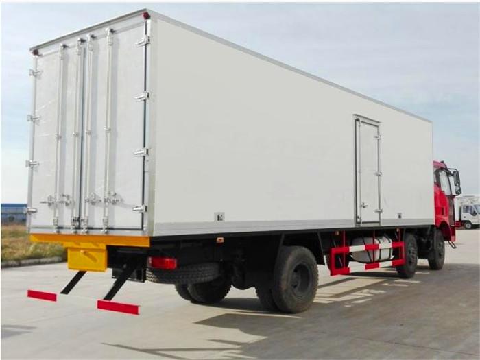 J6解放小三轴8.7米冷藏车4