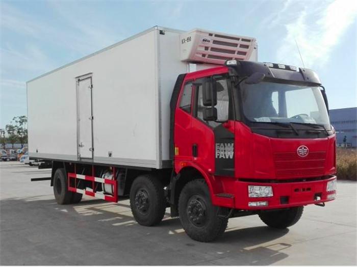 J6解放小三轴8.7米冷藏车2