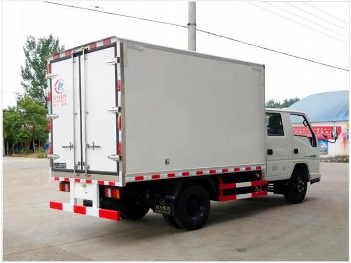 江铃顺达双排3.2米冷藏车4