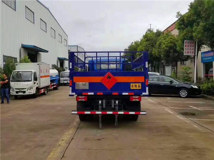 液化气瓶运输车