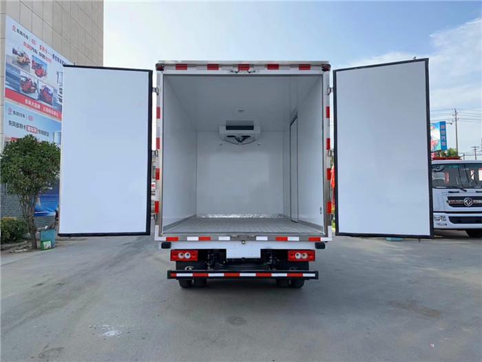 蓝牌4.2米福田欧马可冷藏车