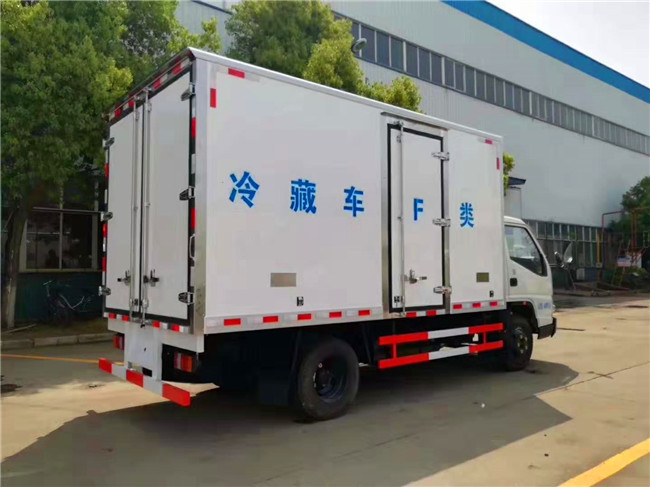 江铃宽体4.1米冷藏车