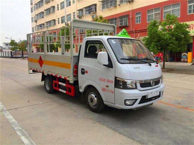 国六小型东风途逸气瓶运输车