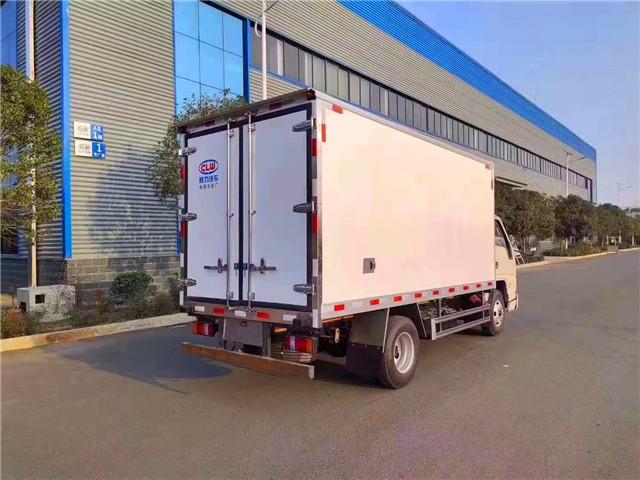 国六4米2江铃冷藏车