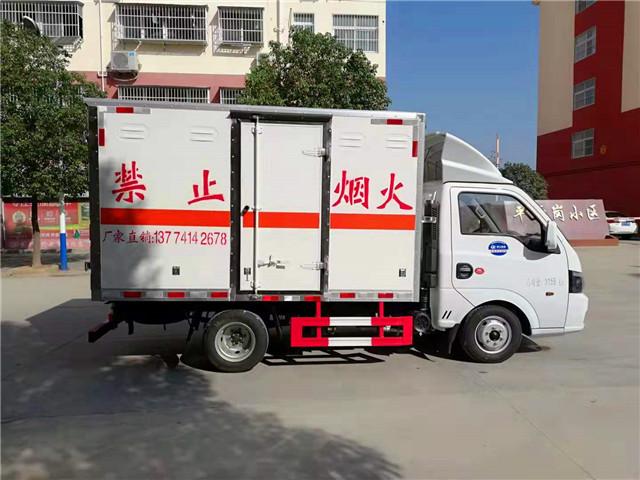 微型东风气瓶运输车