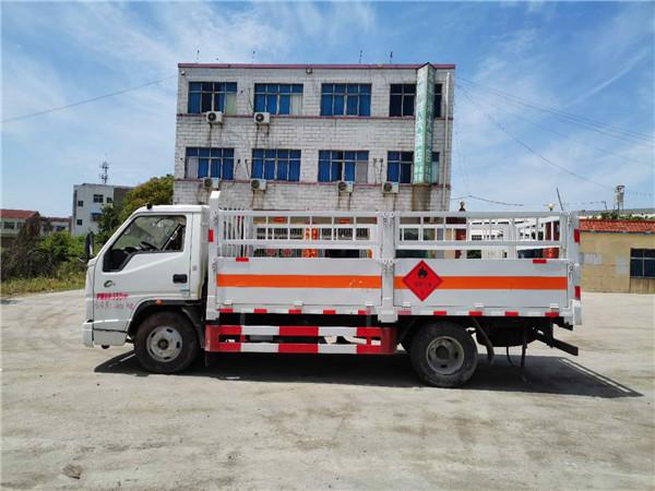 国六江铃栏板式气瓶运输车