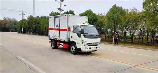 国六福田小卡危险品厢式运输车