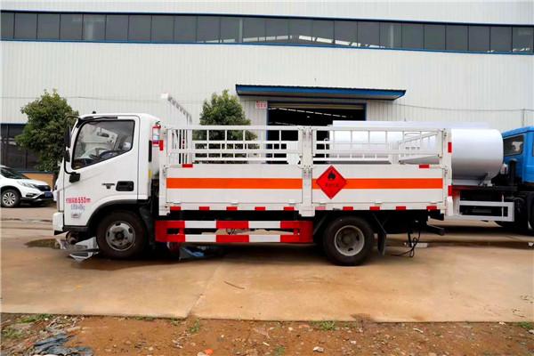 国六福田欧马可6米/8气瓶运输车