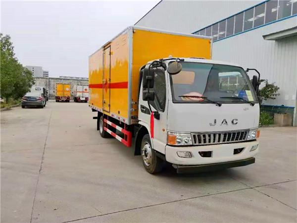 国六江淮烟花爆竹运输车